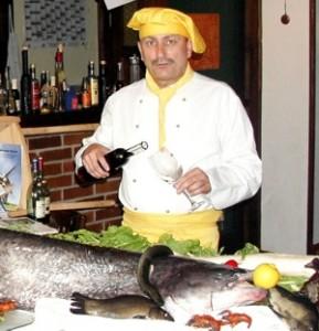 fisch-satt-in-der-gueldenen-pfanne